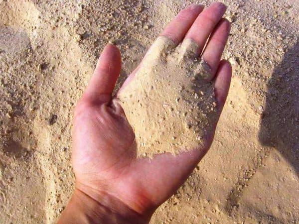 Песок из крупных кусков