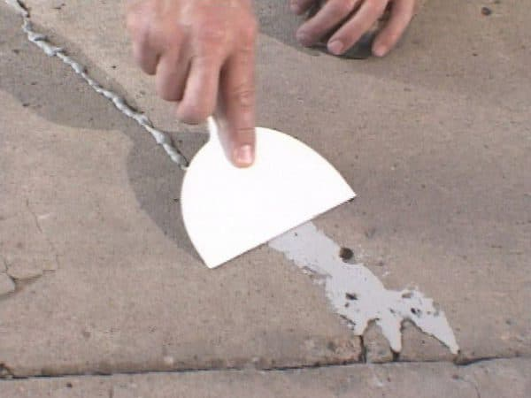Шпаклевка трещин