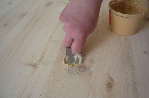 Шпаклевка для деревянного пола: какую выбрать по дереву, как выровнять деревянный пол под ламинат шпатлевкой своими руками