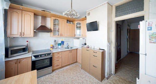 Кухня из влагоустойчивой плиты