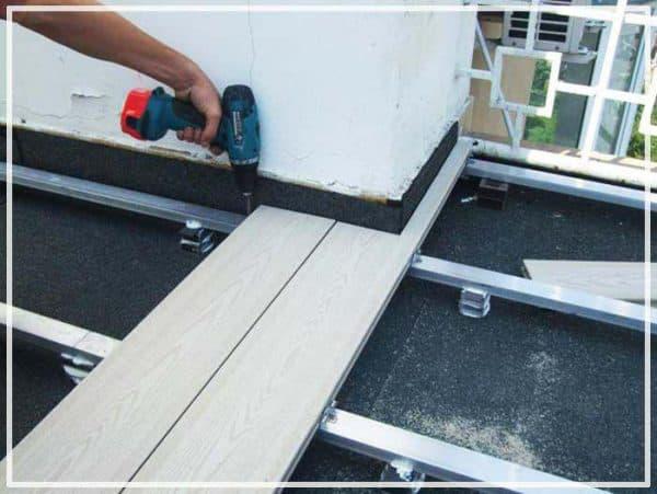 Укладка на балконе без зазора